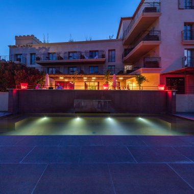 Distillerie de Pézenas - nuit piscine couleur