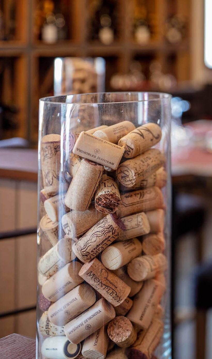 Restauration - Distillerie de Pézenas - bouchons vins