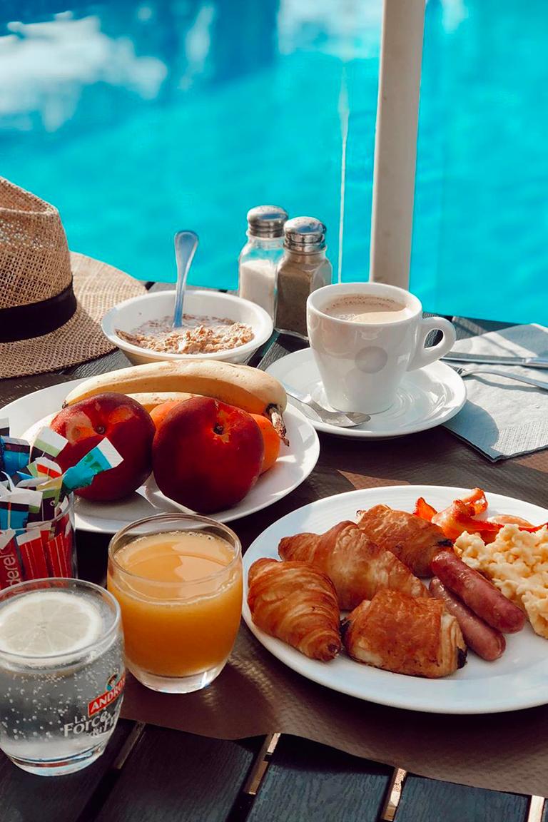 Petit-déjeuner - Garrigae Domaine de l'Estérel