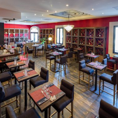 Distillerie de Pézenas - salle de restaurant image paysage